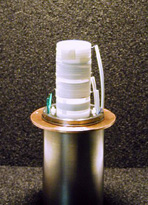 Superconductive detection-coil for high-resolution FT-ICR of single ions